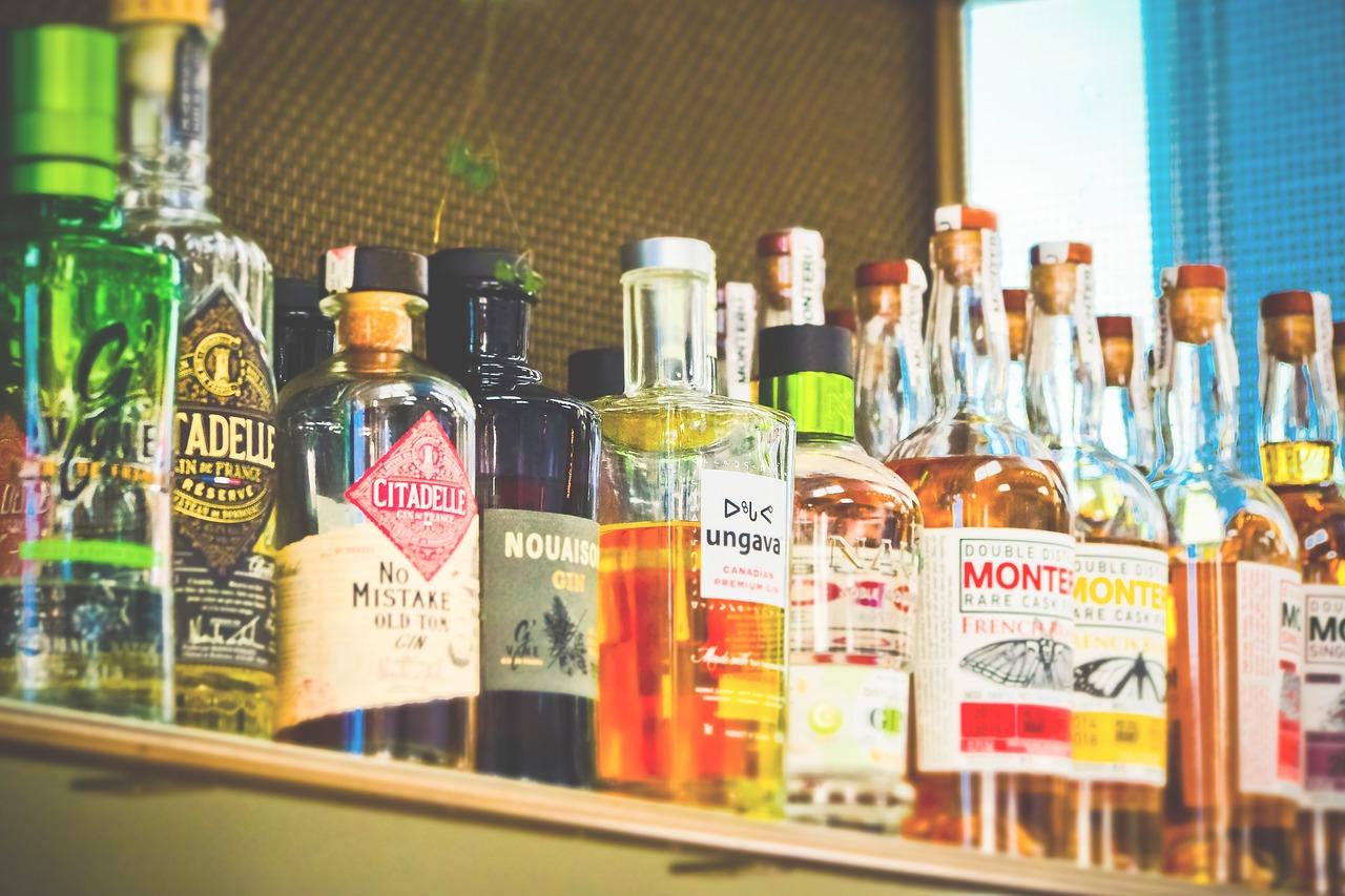 bottles-3623317_1280