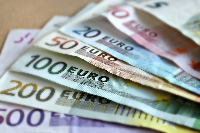 vějíř euro bankovek, detail