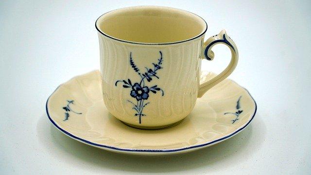 starý kuchyňský porcelán